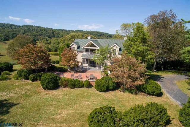Pohick Farm 🐎 Virginia Horse Farms For Sale