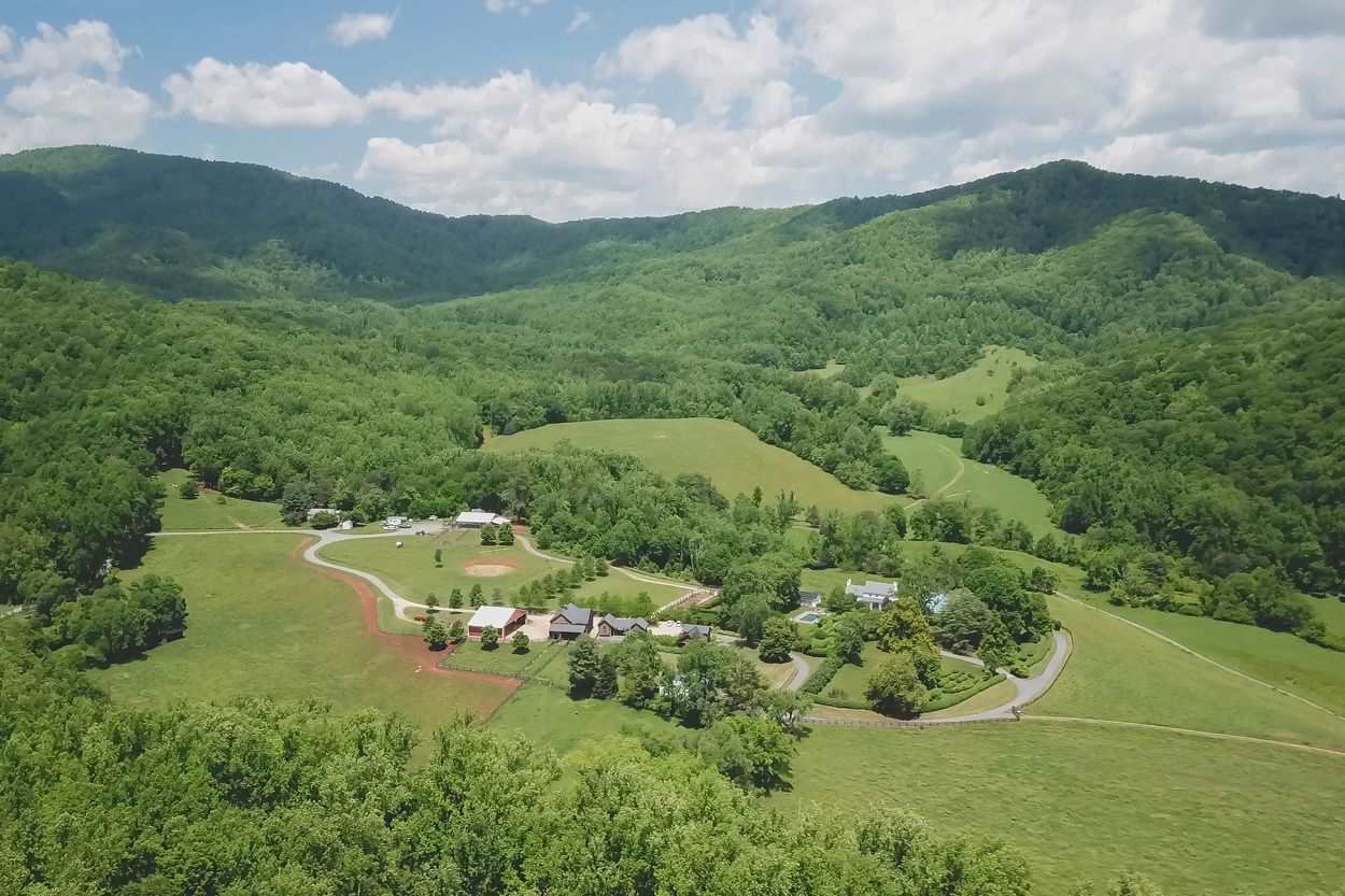 6142 HIGHLAND ORCHARD LN RESIDENTIAL COVESVILLE, VA